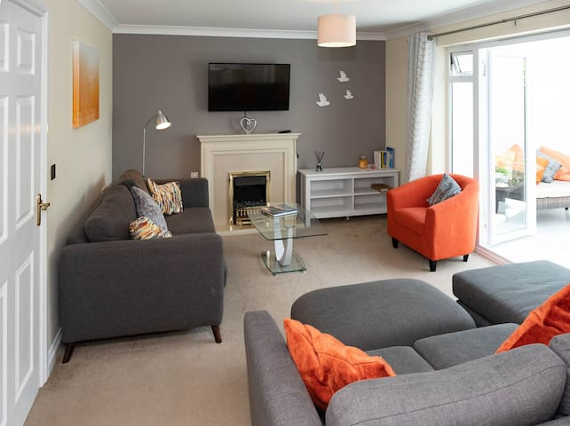 LUNA HOUSE Spacious Modern4bed Southampton Airport
