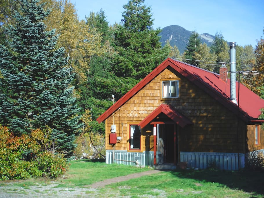 Cabin with fall colors.