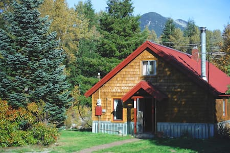 River Mountain Cabin Stevens Pass - Skykomish