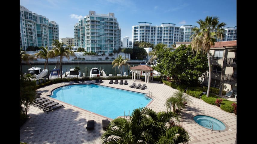 Home away from Home in Aventura - Aventura - Apartment
