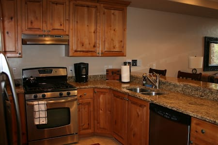 Snowbasin, Powder Mountain and Pineview reservior - Apartamento