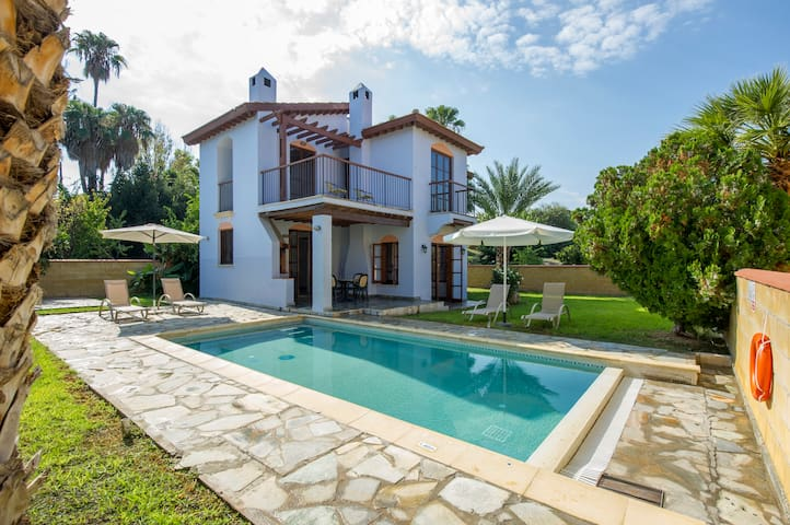 Villa Dionysos with private pool, on the beach