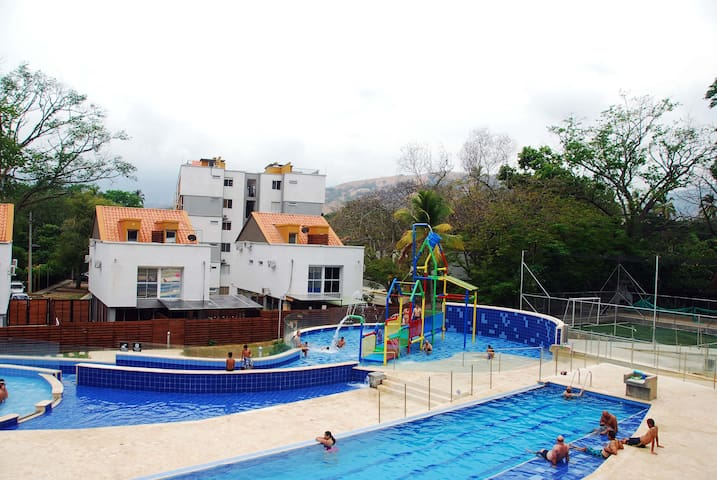 New apartment with pools and close to the old city - Santafé de Antioquia - Appartement