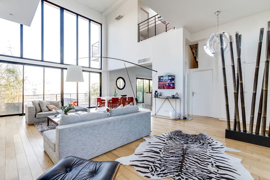 Nicely decorated living room