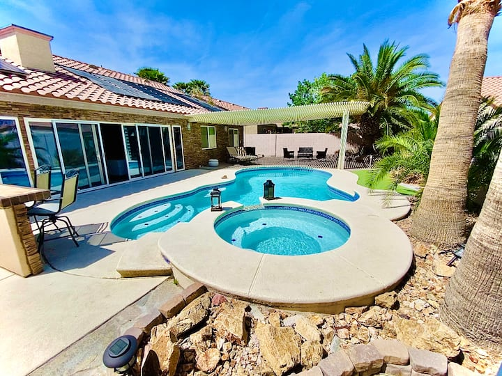 Incredible private VEGAS OASIS with Pool&Spa WOW