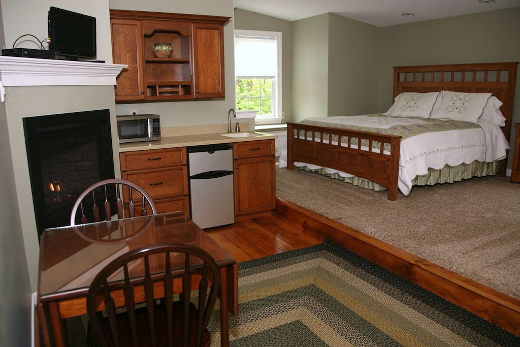 Founders Suite with king and bunk beds.  Kitchen area with refridg and microwave. Private bath.  Includes full farmers  breakfast.