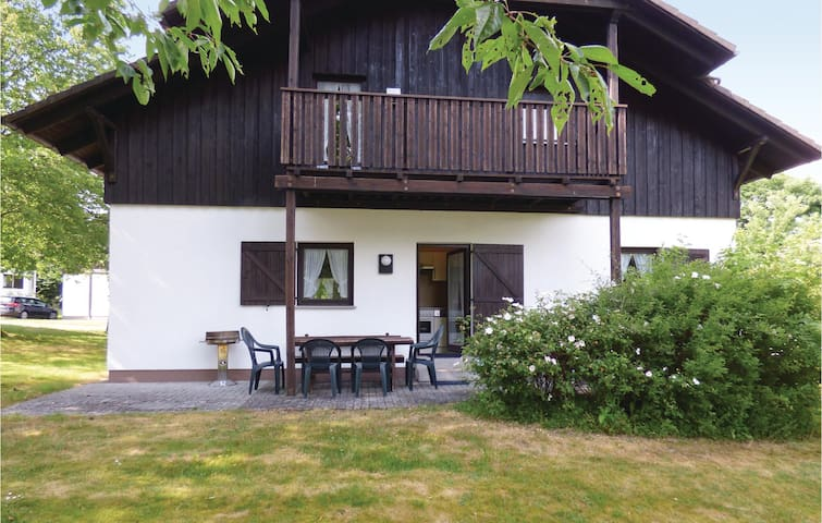 Holiday cottage with 4 bedrooms on 127 m² in Thalfang