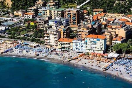 B&B Piccaro a 50 mt dal mare - Borghetto Santo Spirito