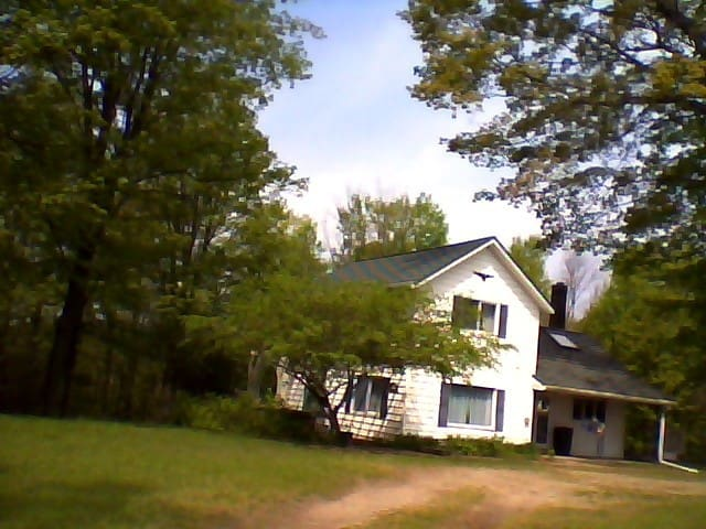 Quiet Country home,near beaches, dunes