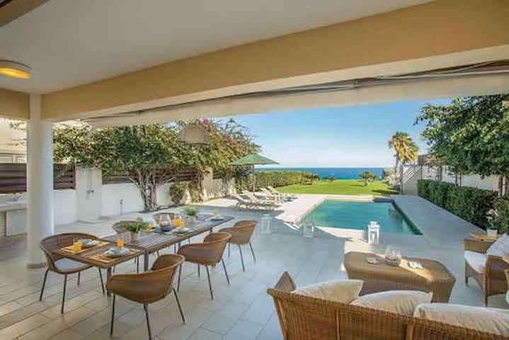 Protaras Beachfront Villa Pietra, Sea View