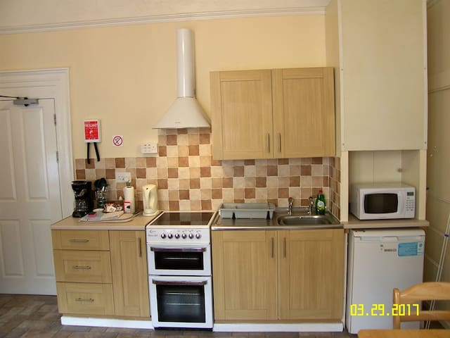 Flat 3 at Appletorre House Holiday Flats