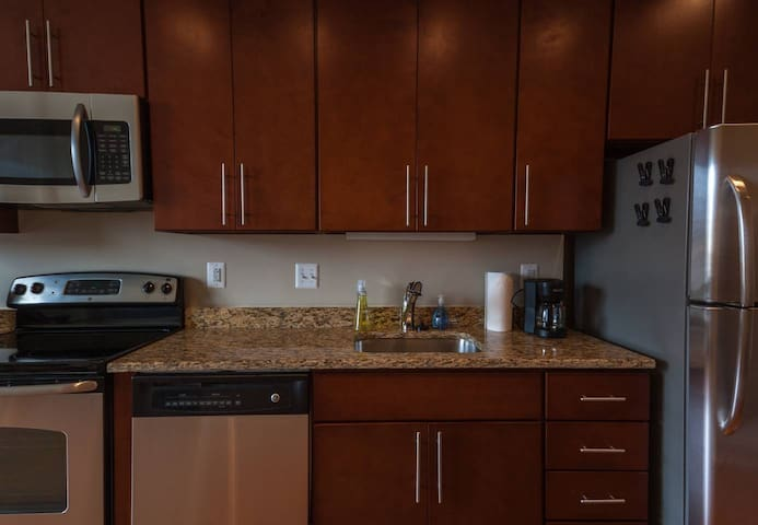 Spacious NoMa/Downtown 1 Bed