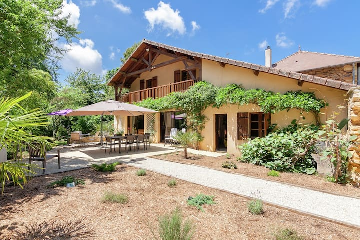 Large Farmhouse in Nantheuil France With Private Garden