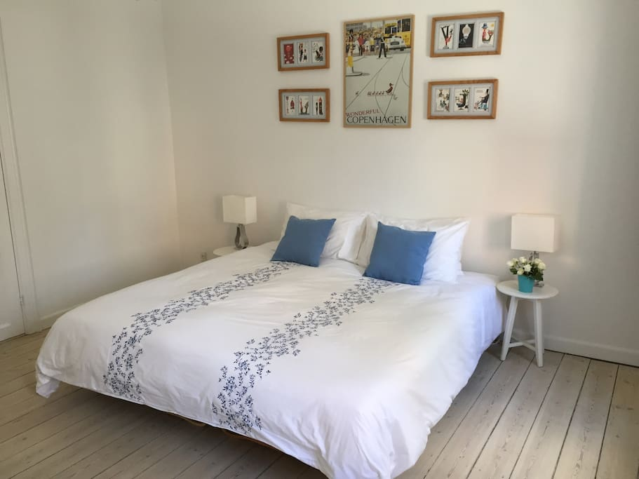 The super kingsized bed in the second bedroom can also be set up as two single beds if preferred.