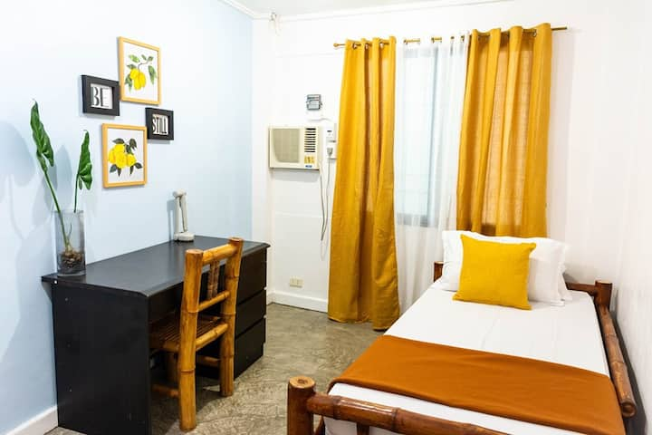 Guest house in Cebu w/WiFi (roomC)