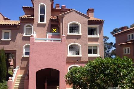 Precioso y cómodo departamento dúplex - Quintay - Apartment