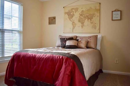 Private Bed & Bathroom Close to RTP & RDU Airport