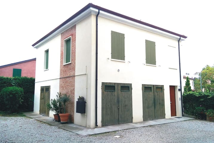 Casa indipendente in piazza a Poggio Renatico