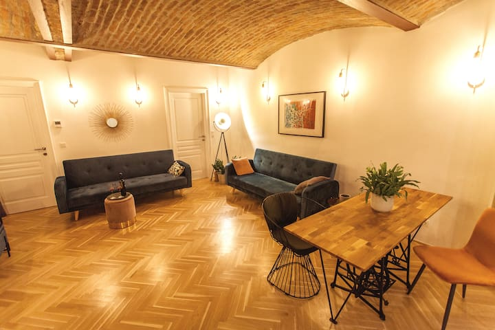 The postmodern viennese Loft 78 (2)