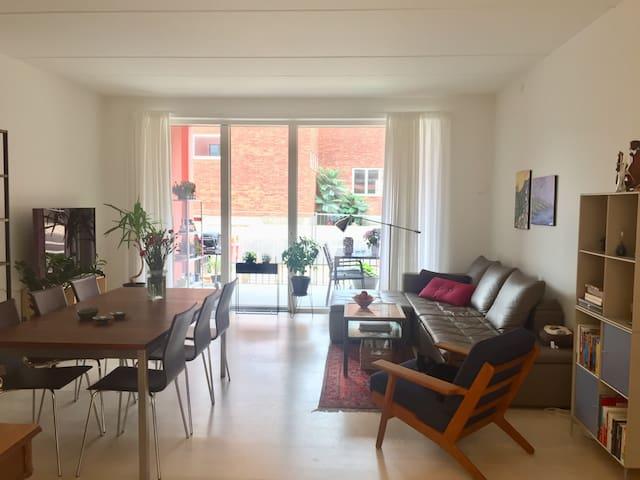 Modern apartment Carlsbergbyen w/ terrace+balcony