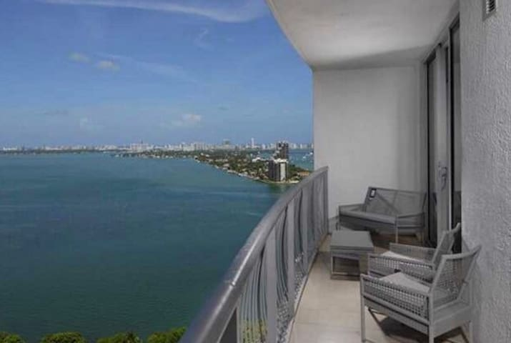 EXTRAVAGANZA Penthouse at the Bay OCEANVIEW - Miami Beach