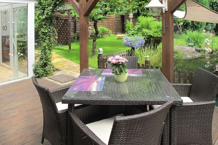 Cozy bungalow with lovely terrace and surrounding garden