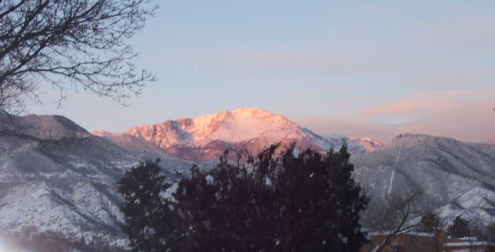Pikes Peak Spectacular Apt