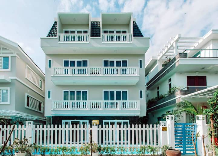 Private Pool & Big Apt Close to Vinpearl Cable.