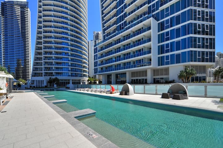 H'Residences - 2 Bed Unit in the heart of Surfers