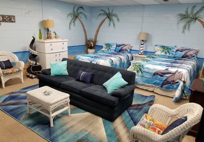Beach Room! Clean Comfy room! Fun Theme! My Fav!