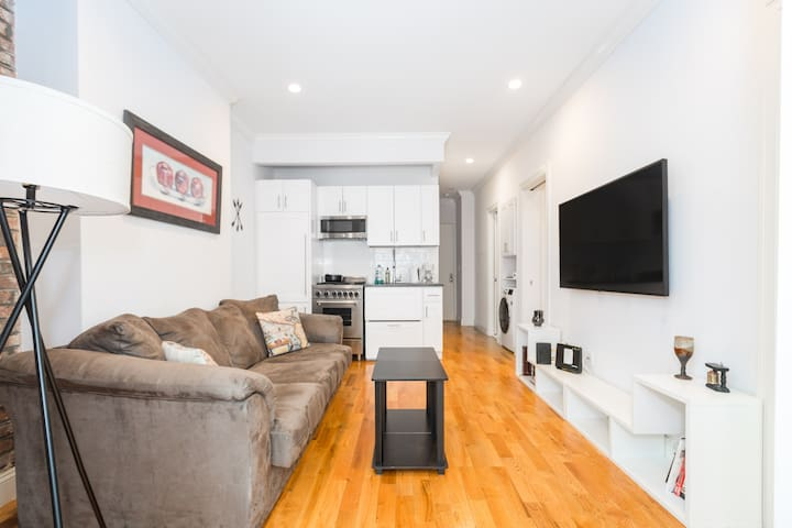 Luxurious 3BR Home In Times Square