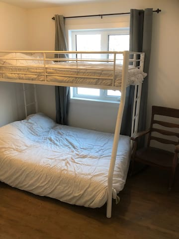 2nd BR w Bunk Beds (sleeps 3)