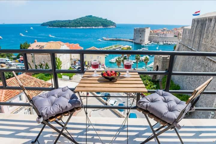 Ragusa Seaview with balcony