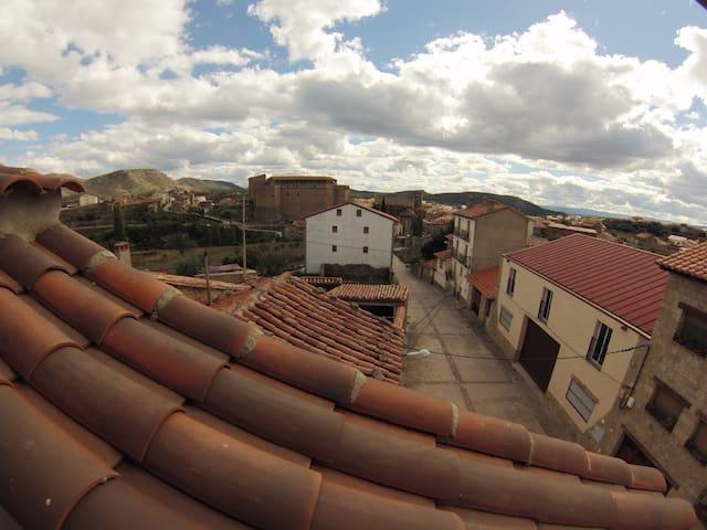 Casa rural turística 3 plantas. - Mora de Rubielos - Haus