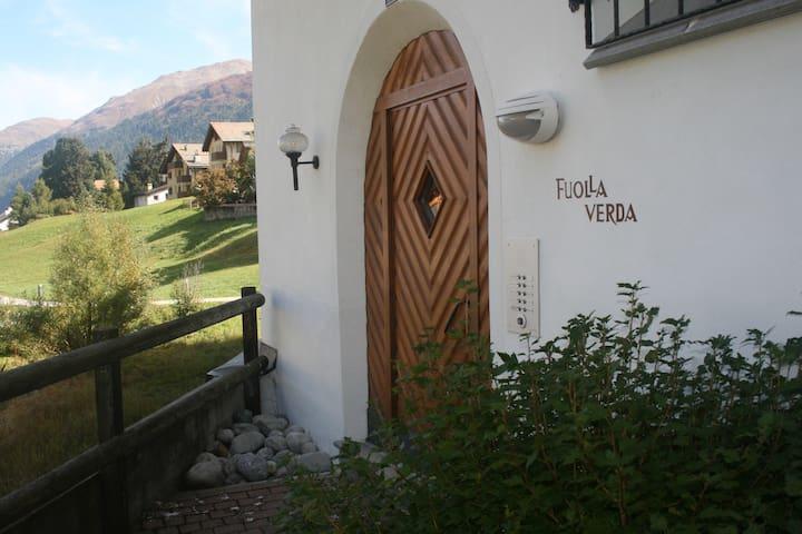 top quality spacious apartment with Stunning View - Celerina/Schlarigna - Departamento