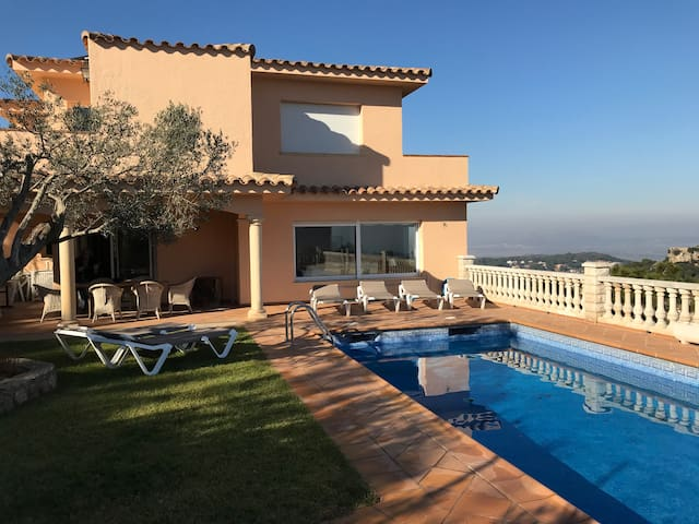 BONA VISTA  in Begur with  pool, solar heated.