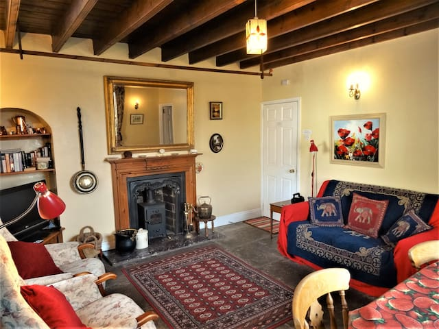 Traditional 2-Bedroom Yorkshire Cottage - Gunnerside - Haus