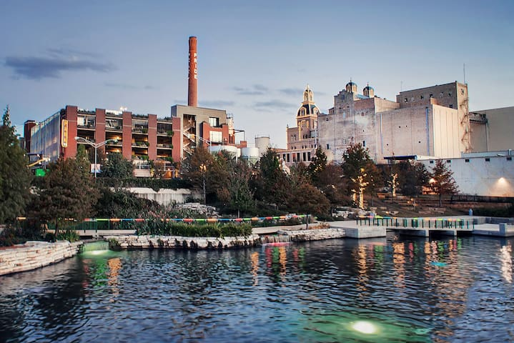 In the heart of Pearl Brewery District! - Сан-Антонио