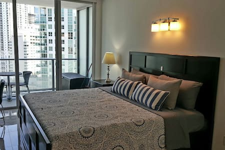 Brickell executive apartment!!