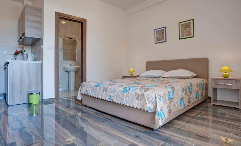 Agape 1 - Petrovac - Apartemen