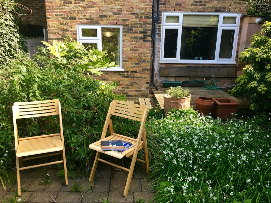 Escape from the business of London in the garden!