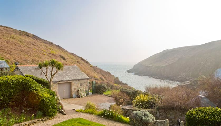 New: South Facing Waters Edge Retreat in Cornwall - Saint Levan - Ev