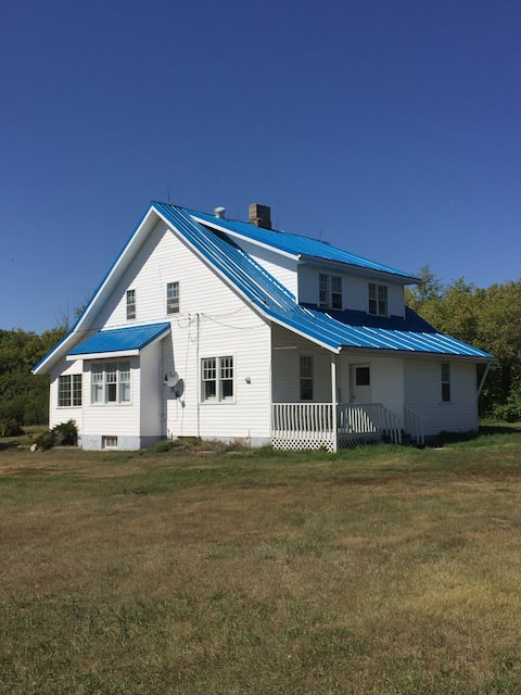 Beautiful Farm House in Central Sask