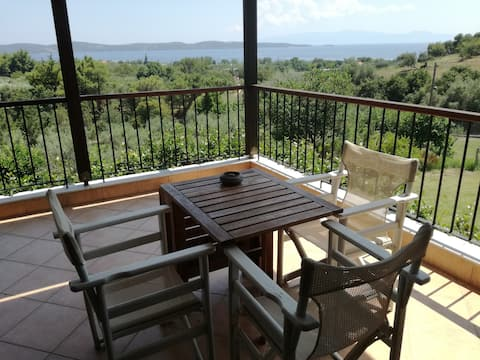 Country house in Xiropotami-inspiring view