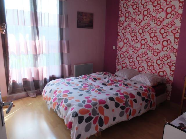 Chambre dans maison individuelle - Aix-les-Bains - Bed & Breakfast