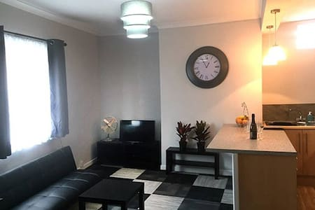 **Immaculate  apartment Ten minutes from Manchester City Centre**
