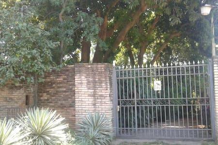 La Casa de Víctor-jacinto - Lambaré - Inap sarapan
