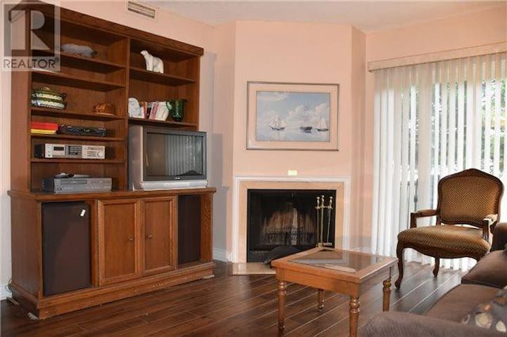 One bedroom condo unit