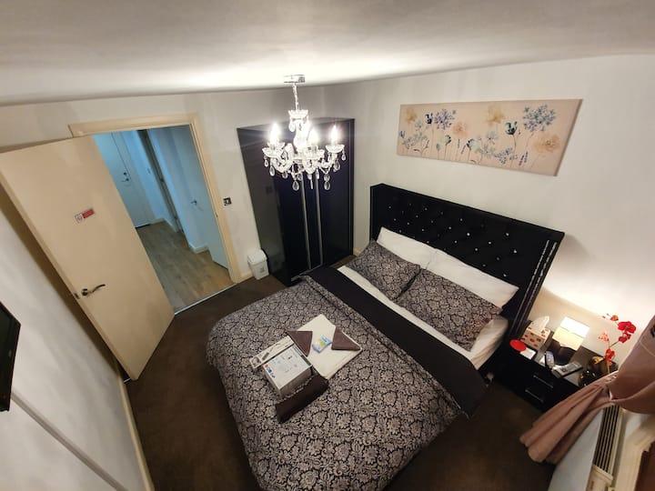 ☆ Luxury King Bed Suite 4 Leisure & work +Parking ☆
