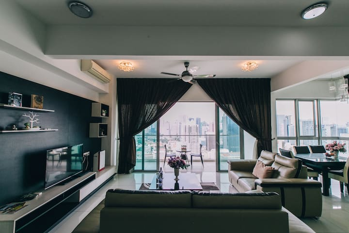 KLCC View Royal Suite   3min to Subway & Mall